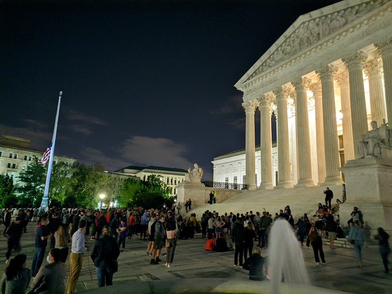 Mourners gather at the Supreme Court after the announcement of Ruth Bader Ginsburg's death. - SDKB, WIKIMEDIA CREATIVE COMMONS