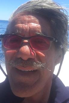 Geraldo Rivera's clownin'-ass is selfie-ing his way around Michigan