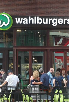 First Taste: Wahlburgers draws in the fans