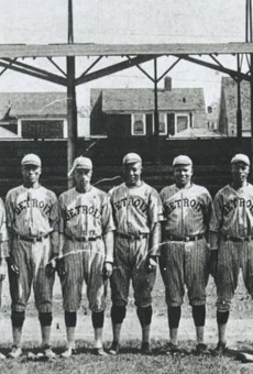 """Negro Leagues legend and National Baseball Hall of Famer Norman """"Turkey"""" Stearnes (fifth from left) and the 1923 Negro National League Detroit Stars."""