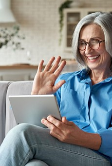 9 Best Chat Rooms For Seniors: Elderly Online Chat Sites