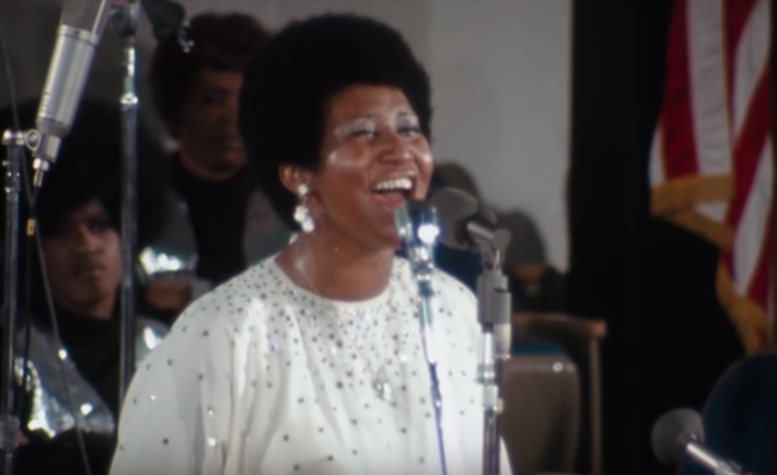 Aretha Franklin singing to the congregation at New Temple Missionary Baptist Church. - YOUTUBE SCREEN GRAB, DISTRIBUTED BY NEON
