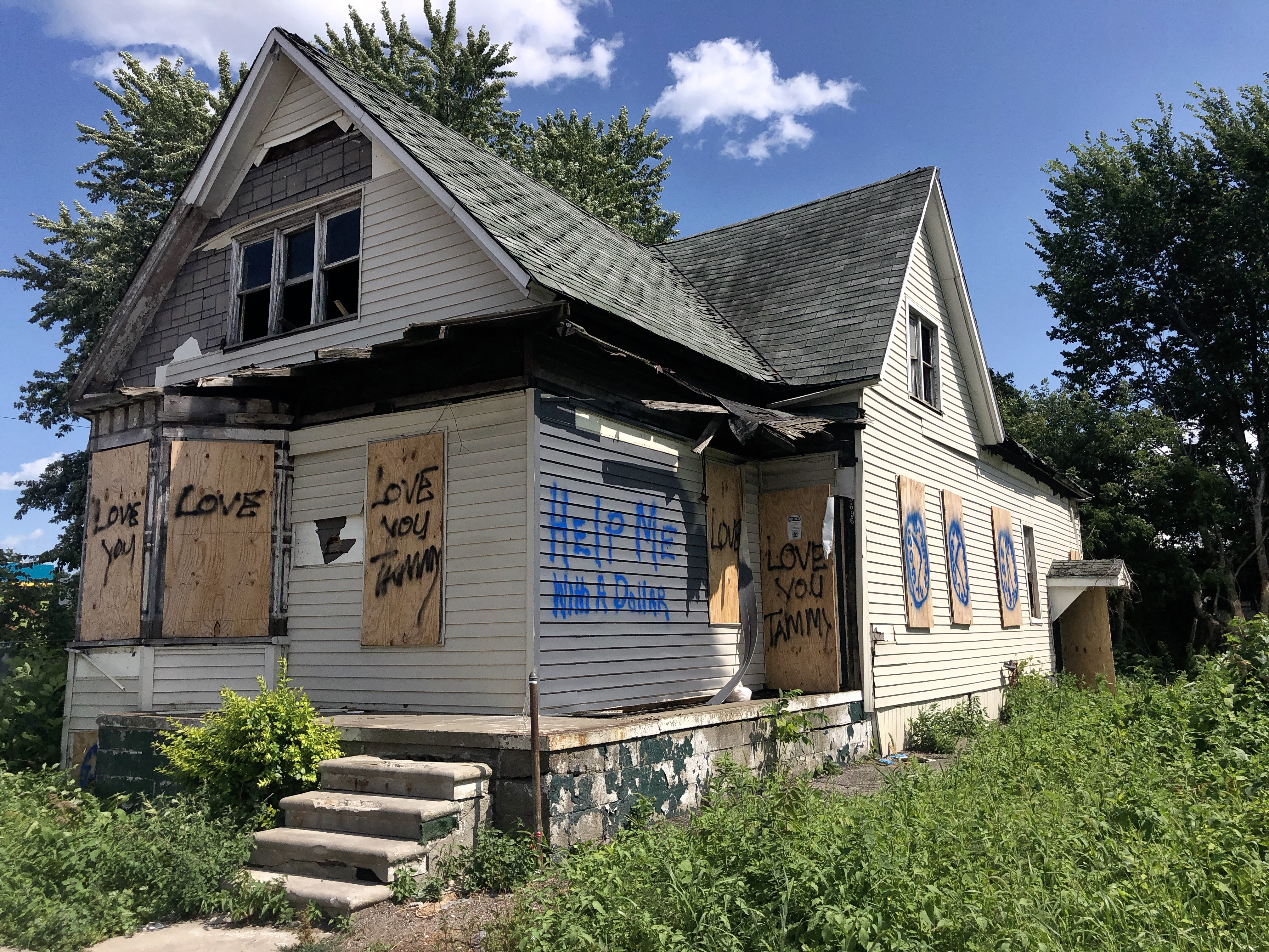 House On Hooter Hill vacant house where suspected detroit serial killer lived and