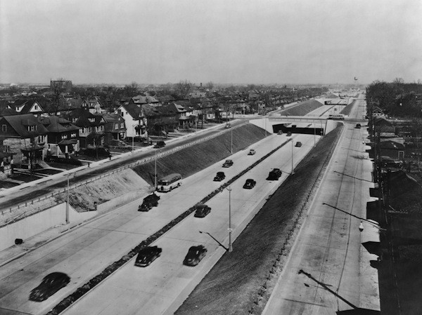 Detroit got its start in urban freeways early. The Davison Highway, built in 1941-42, connected Detroit and Highland Park.