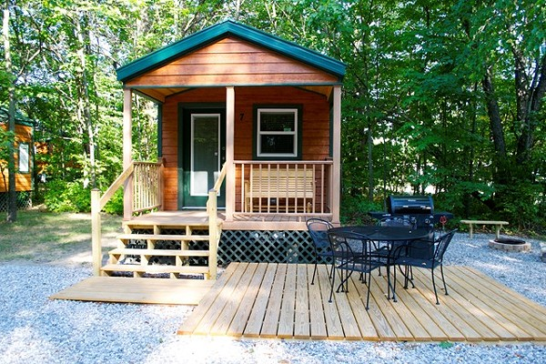 10 awesome michigan cabins you should rent this summer blogs for Camp sites with cabins