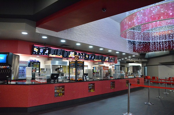 Detroit renaissance movie theaters