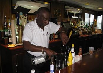 Detroit bartender Jerome Adams, inventor of 'The Hummer' cocktail, is dead