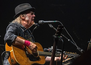 Drunk bros ruined Neil Young's Detroit show