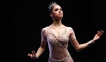 a0af7e5f_ballerinastale.jpg