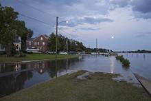 7b07d2fd_flooding_at_high_tide_full_moon_cambridge_pl_norfolk_va.jpg