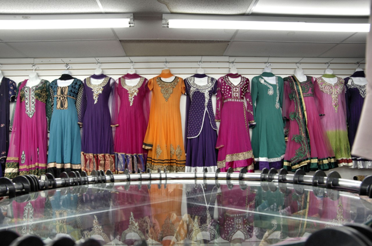 clothing of bangladesh Aponzonecom is one of the leading site for online shopping in bangladesh shop online and get home delivery for electronics, smartphone, apparel, sports & more.