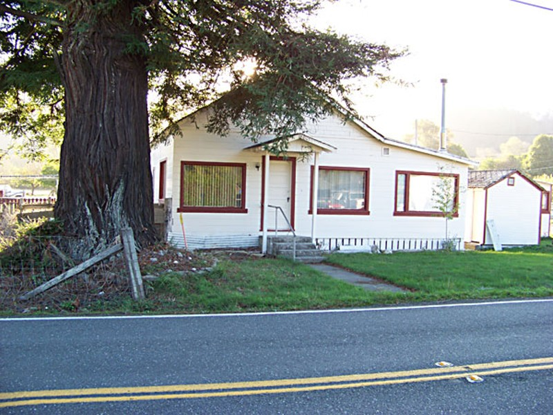 A Carlotta house that could lose its entire front yard to the shoulder widening project. Photo by Heidi Walters