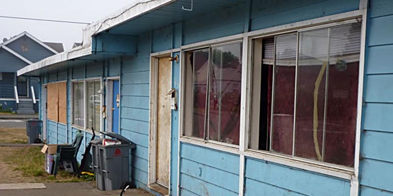 Broken Glass Houses A Eureka rental complex near Wabash Ave. Photo by Ryan Burns