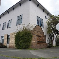 Apartment complex owned by Floyd Squires at 833 H St., Eureka