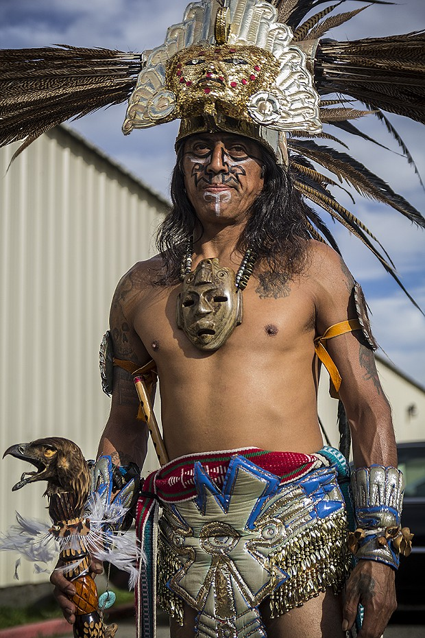 Aztec dancer David Yañez. - MANUEL J. ORBEGOZO