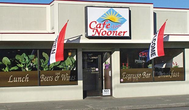 cafe_nooner_too_magnum.jpg