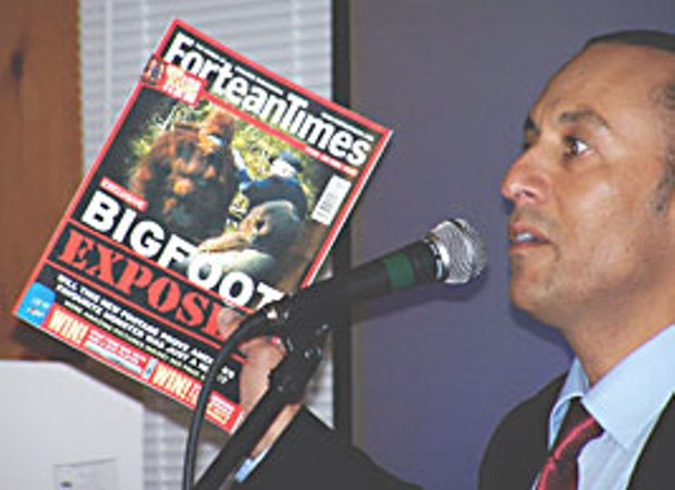 Conference presenter Daniel Perez critiques the professional skeptics at Fortean Times magazine. Photo by Steven Streufert