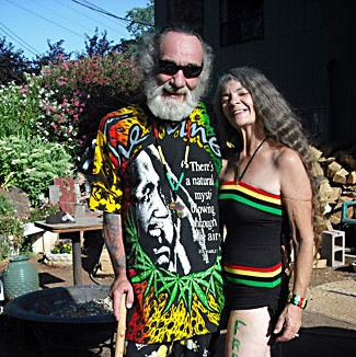 Eddy Lepp and one of his supporters. Photo by Emily Hobelmann