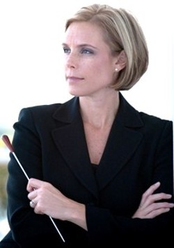 Guest Conductor Dr. Anna Binneweg