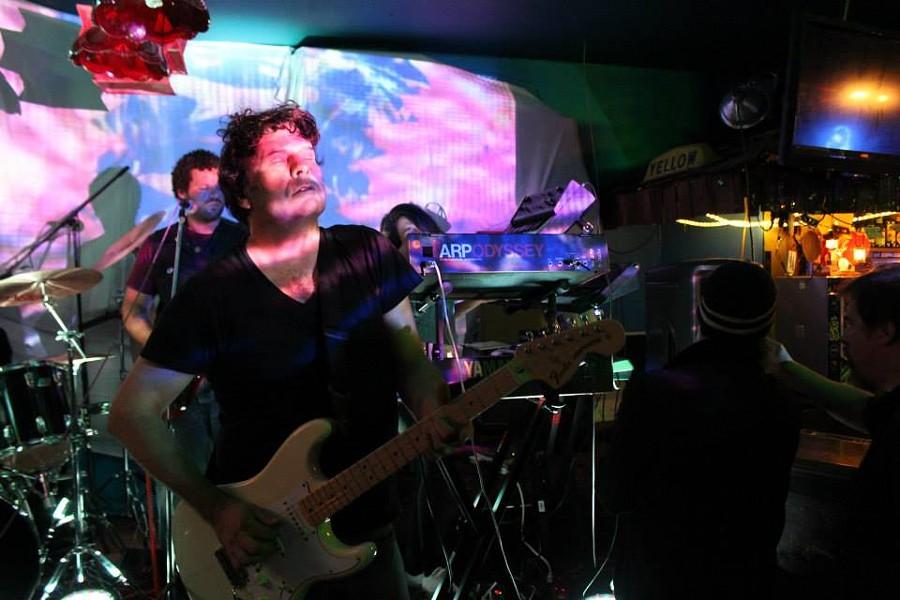 Hedersleben, Nicky Garratt guitar - BOB DORAN