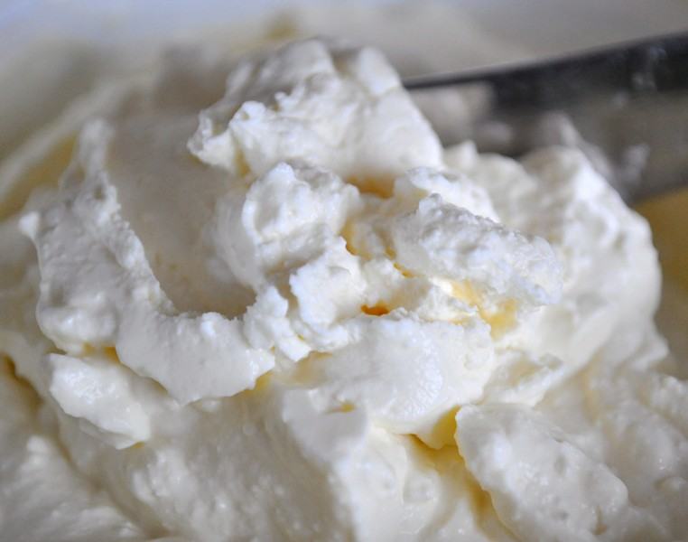 homemade cream cheese - PHOTO BY SIMONA CARINA