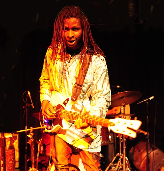 Ibrahim Kelly of Dusu Mali Band - PHOTO BY DT FLETCHER