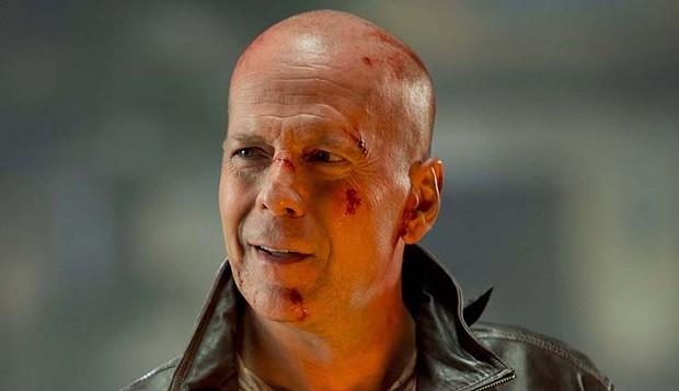 Little-known fact: Bruce Willis sucks at shaving.