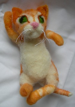 Make this adorable kitten with the Humboldt Handspinners and Weavers Guild