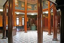Octagonal rotunda, Morris Graves Museum of Art (author photo).