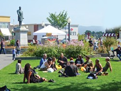 PHOTO BY RYAN BURNS - President McKinley oversees a cluster of people enjoying the summer sun.