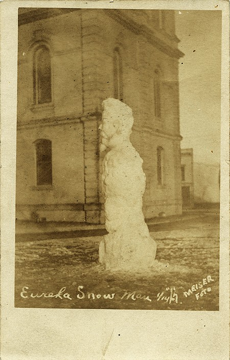 courthouse-snowman-meiser-courtesy-of-anne-hunt-adjust-cropped.jpg