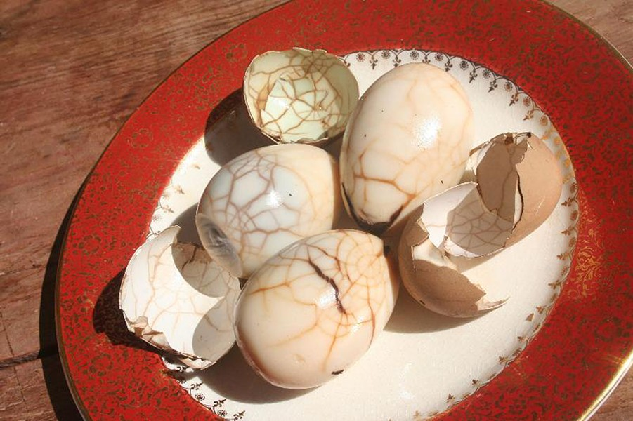 Tea eggs - PHOTO BY ARI LEVAUX