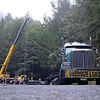 Curved The crane, the truck and the nuclear waste cask. Photo by Robbie Crossley.