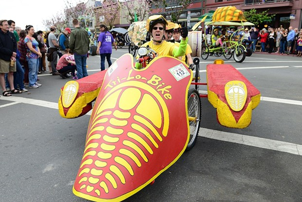 Tie-Lo-Bike's pilot give's the thumbs up during the start of the race. - MARK MCKENNA