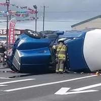 Another Semi Flipped at Broadway