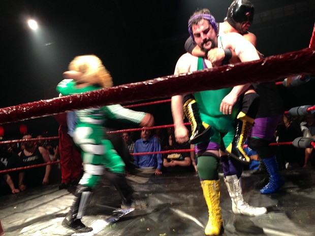 The Stoner Brothers, a popular duo at Hoodslam in Oakland, wrestling Bat Manuel and El Chupacabra. By Ossanha - Own work, CC BY-SA 4.0, Link - WIKIPEDIA