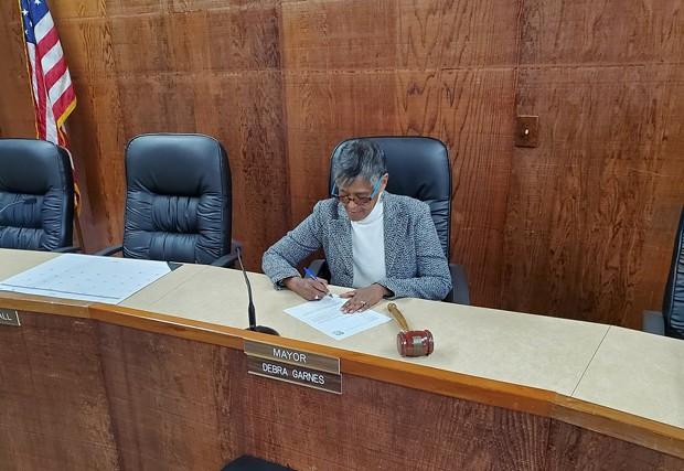 Rio Dell Mayor Debra Garnes signs the letter. - CITY OF RIO DELL