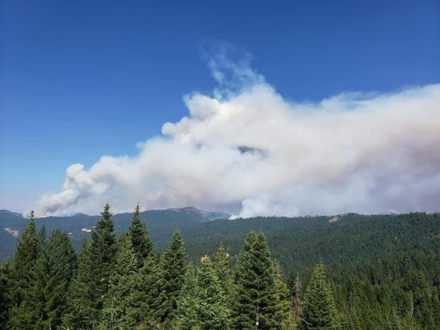 The Elkhorn Fire from the Mad River Ranger Station. - INCIWEB