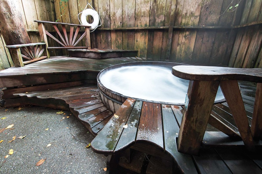 The outdoor tub at Finnish Country Sauna and Tubs - DREW HYLAND