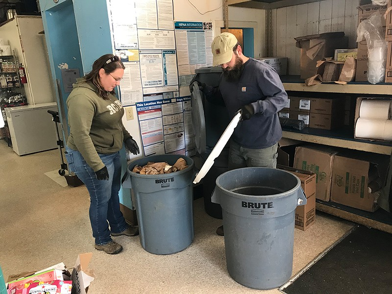 Lloyd and Stacey Barker picking up Los Bagels' food waste. Photo by Iridian Casarez