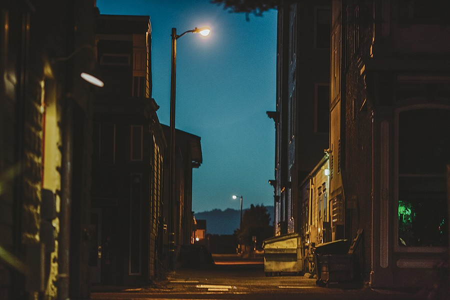 """Alley,"" 4:55 a.m. - LEÓN VILLAGÓMEZ"