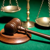 Defense Attorneys Urge Supes to Scrap Public Defender Hire, Start Over