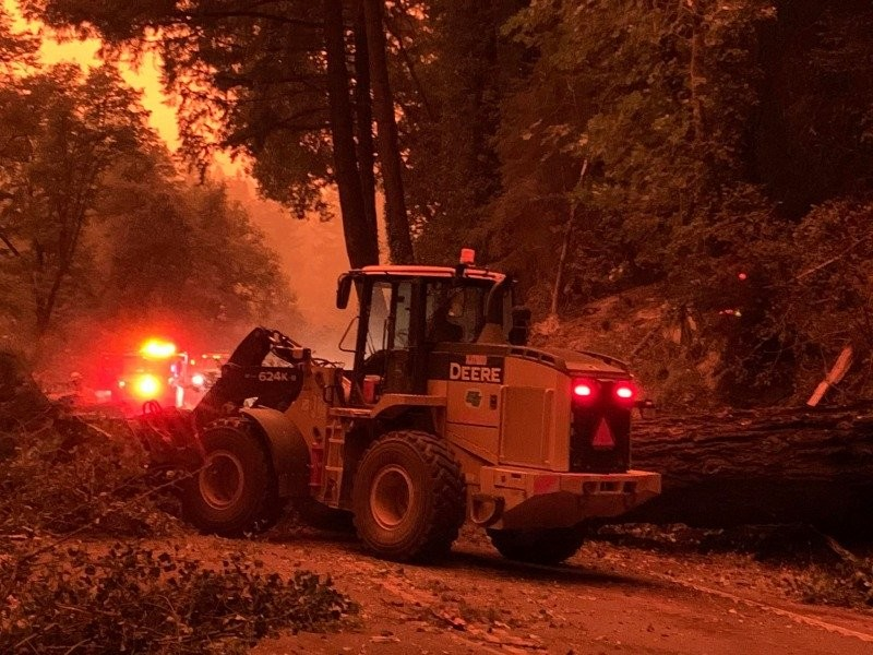 Caltrans' crews working to reopen U.S. Highway 101 during the Oak Fire. - CALTRANS