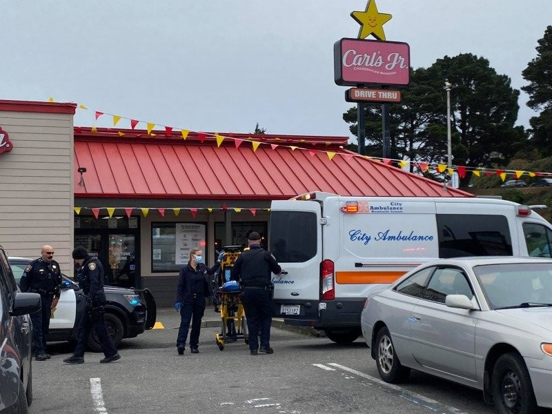Eureka Police and ambulance personnel at a reported stabbing. [Photo by Mark McKenna]