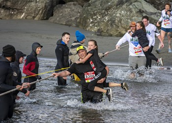 Splash and Dash: Photos from the Clam Beach Run