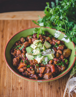 a01ebb08_4-bean-vegan-chili-02_vegan_recipe_pins.png