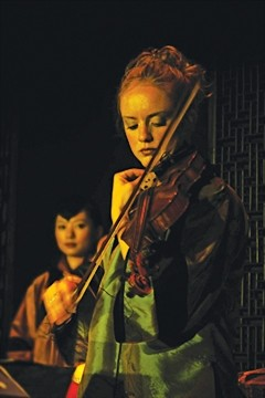 FIDDLE QUEEN :  U.S. National Scottish Fiddle Champion Hanneke Cassel plays March 13 atCoalesce Bookstore and March 14 at Castoro Cellars for two SLO Folks concerts. - PHOTO COURTESY OF HANNEKE CASSEL