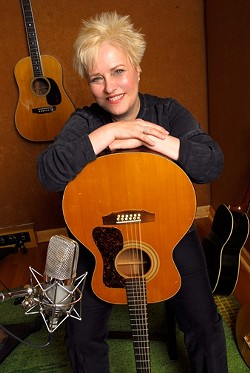 DEEP BUT LIGHTHEARTED :  Singer and songwriter Lindsay Tomasic, known for her storytelling and her soothing vocal style, comes to the Steynberg Gallery on Saturday, Sept. 20. - PHOTO COURTESY OF LINDSAY TOMASIC
