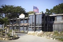 """CAMBRIA'S JAZZ HUB :  The Hamlet Restaurant at Moonstone Gardens, the home of Charlie and Sandi Shoemake's """"Famous Jazz Artists"""" concert series. - PHOTO BY STEVE E. MILLER"""