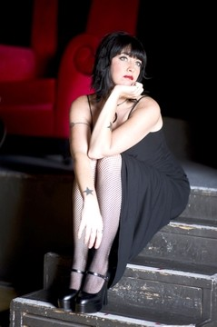 HOT, SHOOTING ASTRA :  Astra Kelly, a Chicago native now residing in San Diego, will blend her Chicago roots in funk and blues with rock at Frog and Peach on Dec. 3. - PHOTO COURTESY OF ASTRA KELLY
